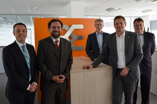 After signing the contract in Detmold (f.l.t.r.): Ulrich Haag, Stefan Frühauf (both Bosch Group) and Dirk van Vinckenroye, Jörg Timmermann and Jochen Rafalzik (all Weidmüller Group)